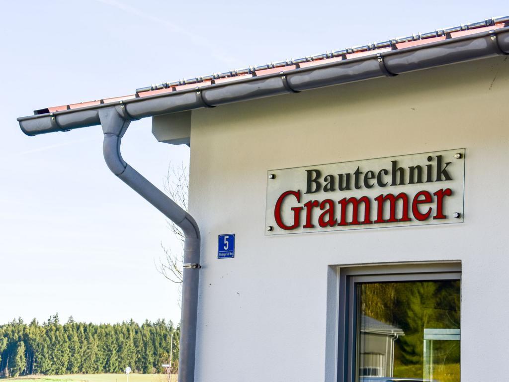 Bautechnik Grammer, Firmensitz in Palling, Landkreis Traunstein, Allerdinger Feld West 5